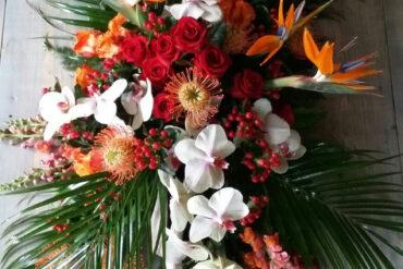 kleurijk en tropisch bloemwerk