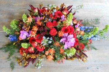uitvaartzorgnop-mogelijkheden-bloemwerk kleurrijk