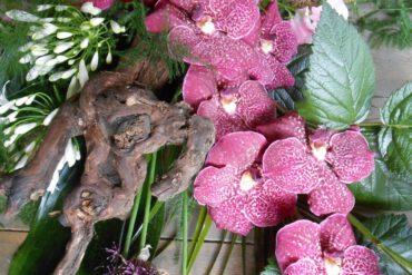uitvaartzorgnop-mogelijkheden-bloemwerk paarse orchidee