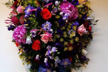 uitvaartzorgnop-mogelijkheden-Rouwbloemwerk-bloemwerk-kleurrijk-herfst